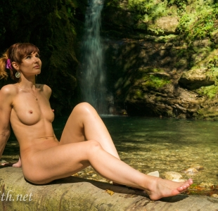 jeny-smith-close-nature_02