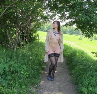 jeny-smith-lost-in-woods-000001