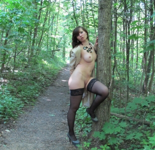 jeny-smith-lost-in-woods-000014