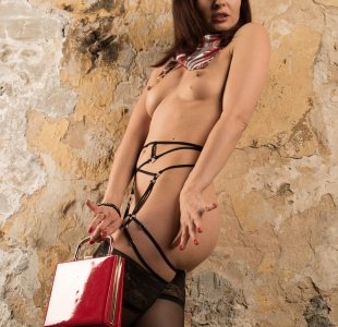 jeny-smith-red-bag_008