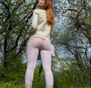 jeny-smith-white-leggings_04