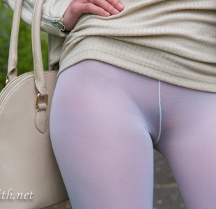 jeny-smith-white-leggings_11