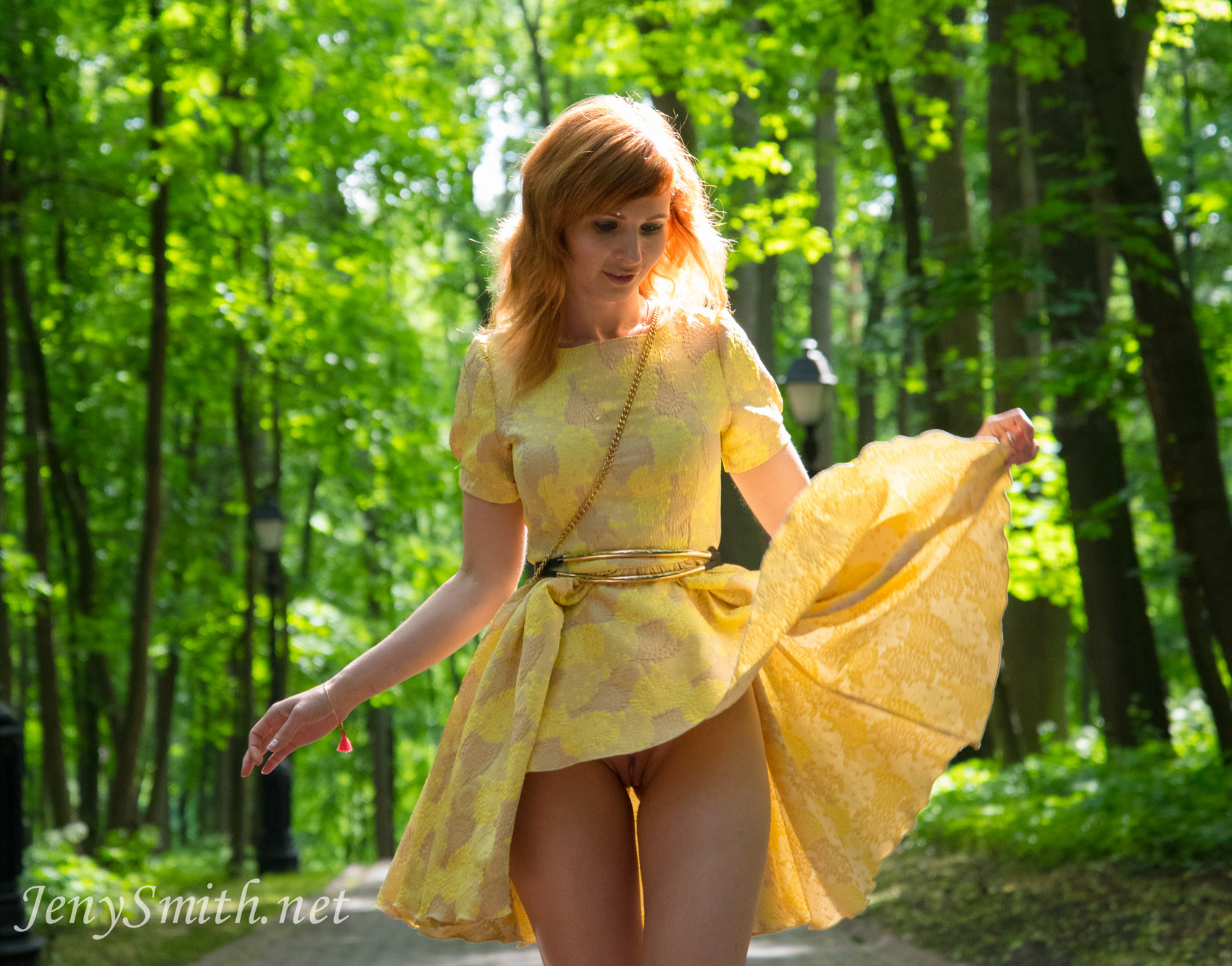 jeny-smith-yellow-dress_07