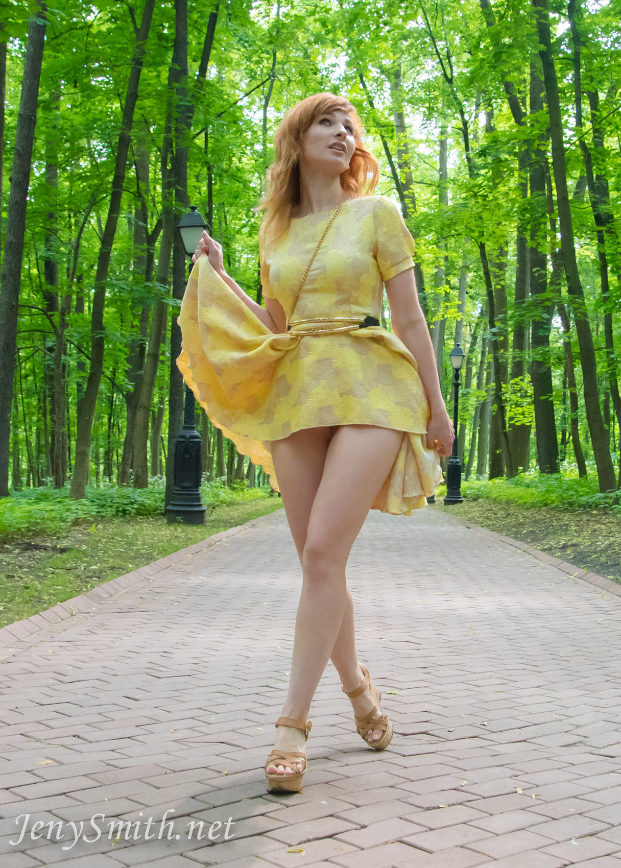 jeny-smith-yellow-dress_08