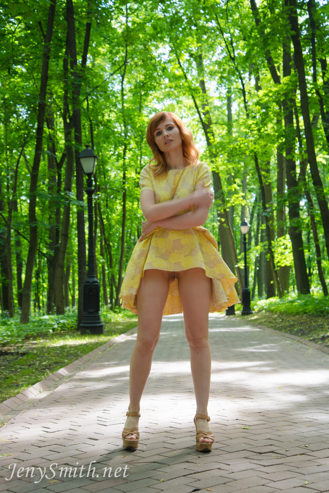 jeny-smith-yellow-dress_12