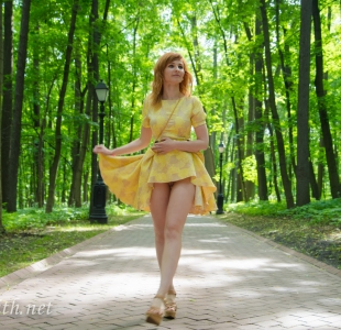 jeny-smith-yellow-dress_10