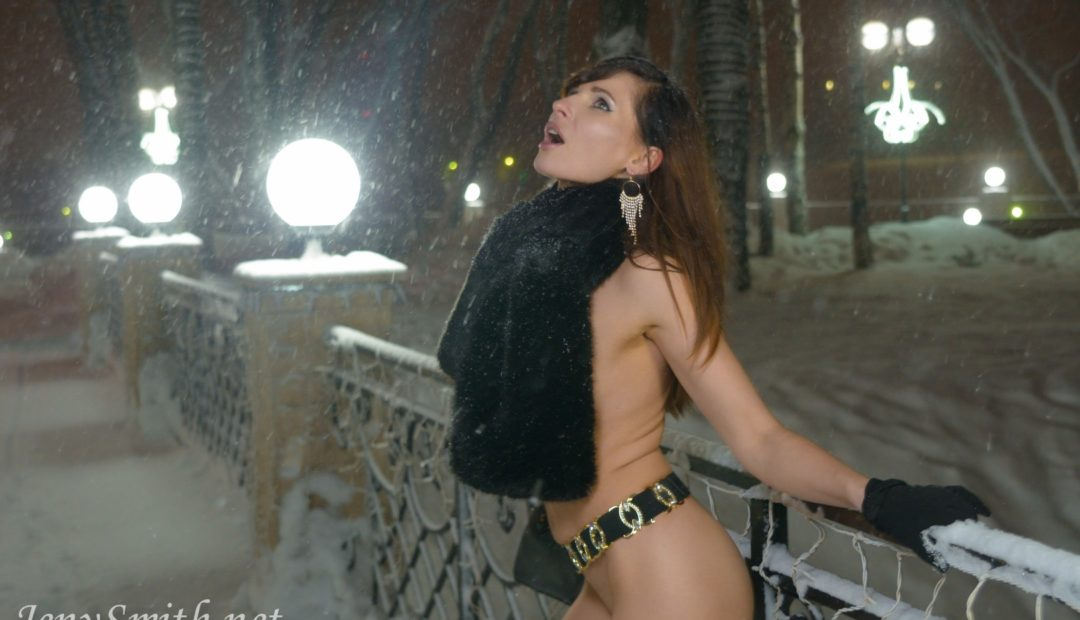 Free Gallery: Jeny Smith Winter at the Lonely Cafe