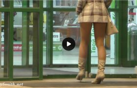 Video: Watch Jeny Smith Spy Cam Upskirt in Public
