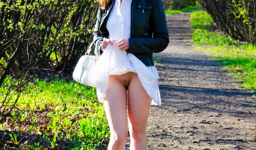 Free Photo Gallery: Jeny Smith In White Skirt Flashing at the Park