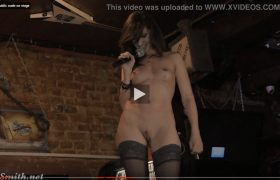 Video: Jeny Smith Public Nude On Stage At the Bar
